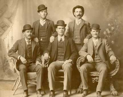 Front row left to right: Sundance Kid, Ben Kilpatrick, Butch Cassidy. Standing: Will 'News' Carver, Harvey 'Kid Curry' Logan.